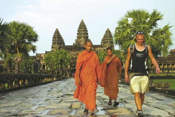 cambodia_volunteer