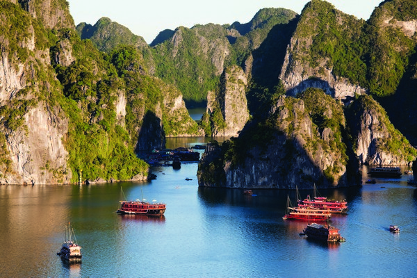 Natural Wonders in Vietnam & Singapore
