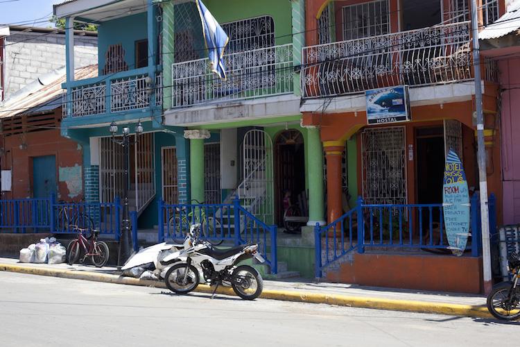 San Juan Del Sur street scene. Credit: Tim Lambourne.