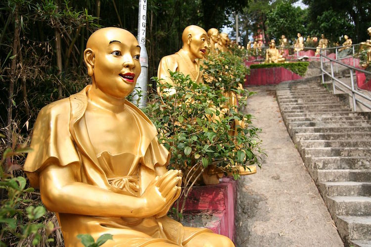 The steps to Ten Thousand Buddhas Monastery. Credit: CPJoseph/WikiCommons