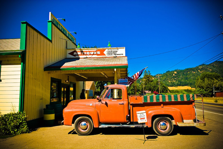Jimtown Country Store, near Healdsburg, Sonoma. Credit: Star5112/Flickr.com.