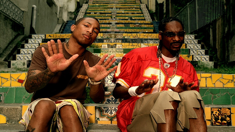 Snoop Dogg (right) and Pharrell Williams on the Selaron Steps in the music video