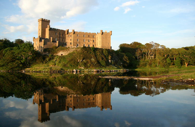 Dunvegan Castle. Credit: WikiCommons.
