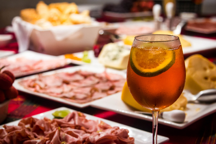 An Aperol Spritz and antipasto. Photo: iStock