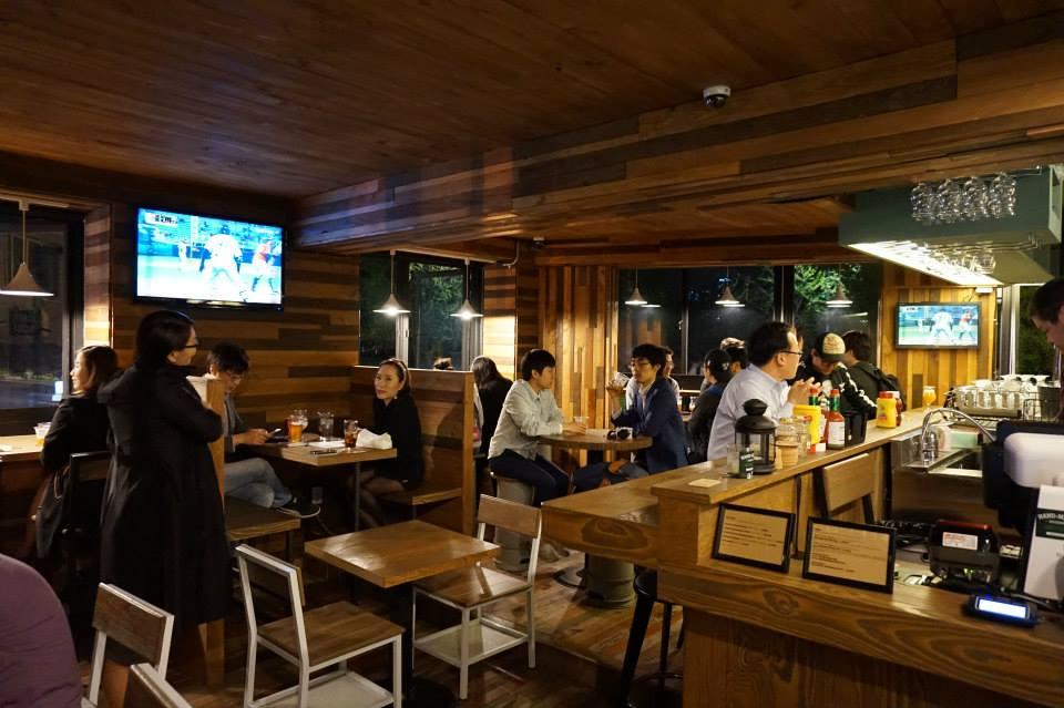 Craft beer bar Made in Pong Dang. Photo: Facebook.com/madeinpongdang