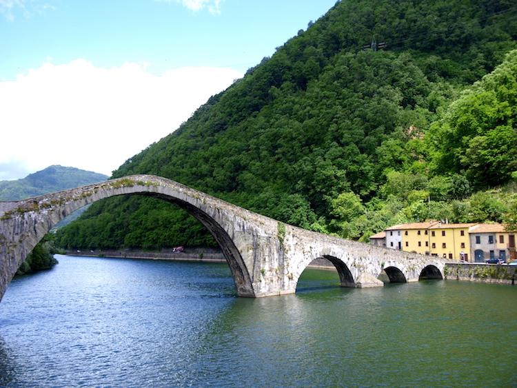 Ponte del Diavolo, Tuscany. Photo: Alexia Santamaria
