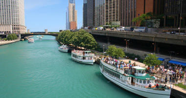 Tour Boats on the Chicago River